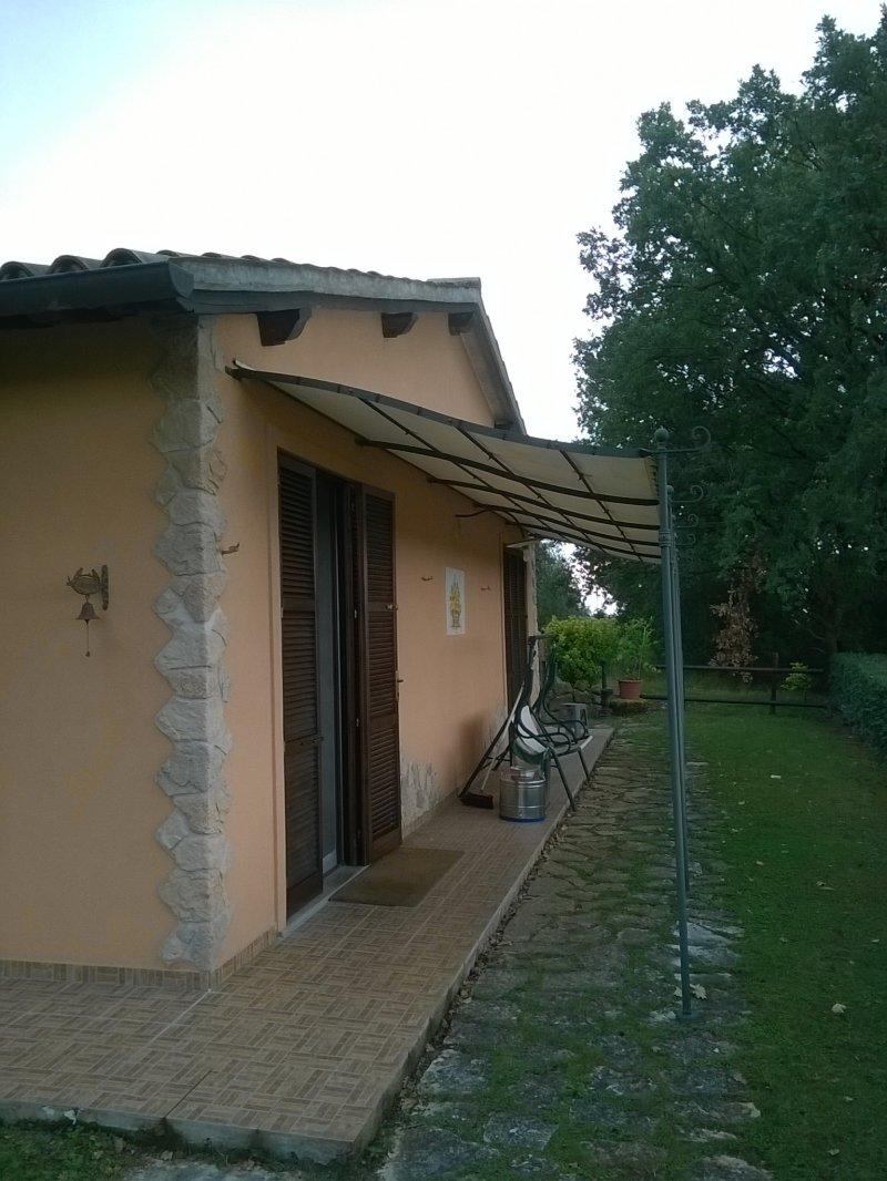 Casa singola zona collinare palazzo di assisi a perugia in for Vendita mobili perugia