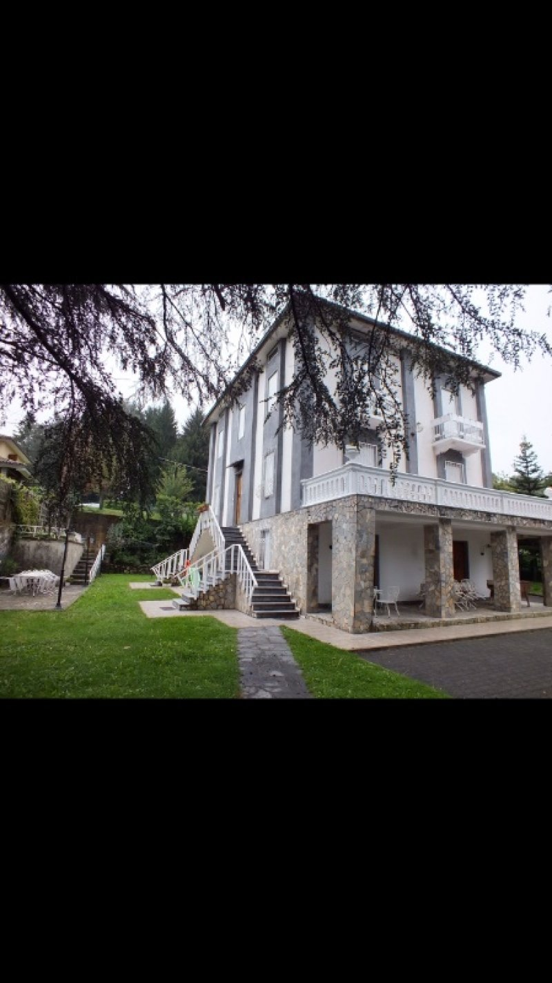 Cadegliano Viconago villa singola a Varese in Vendita