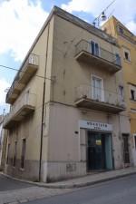 Annuncio vendita Ragusa appartamento parzialmente da ristrutturare
