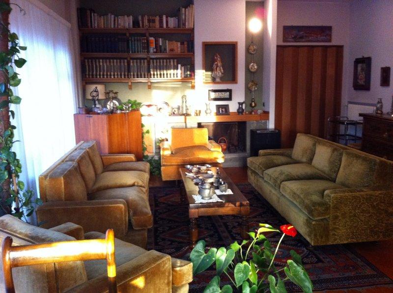 Appartamento appio claudio via lemonia a roma in vendita for Appartamenti arredati roma