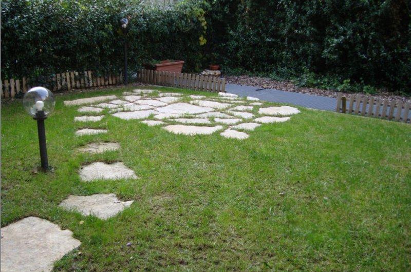 Foto 3 bilocale di 60 mq con giardino privato a milano for Appartamenti design milano affitto