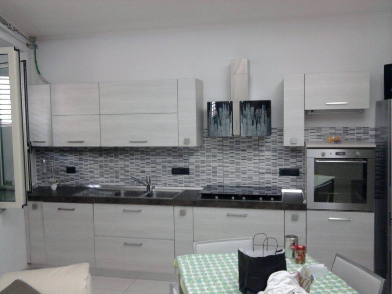 Appartamento arredato moderno a rosarno a reggio di for Immagini di appartamenti ristrutturati