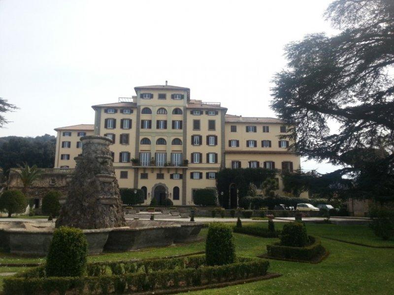 Appartamento a Frascati a Roma in Vendita