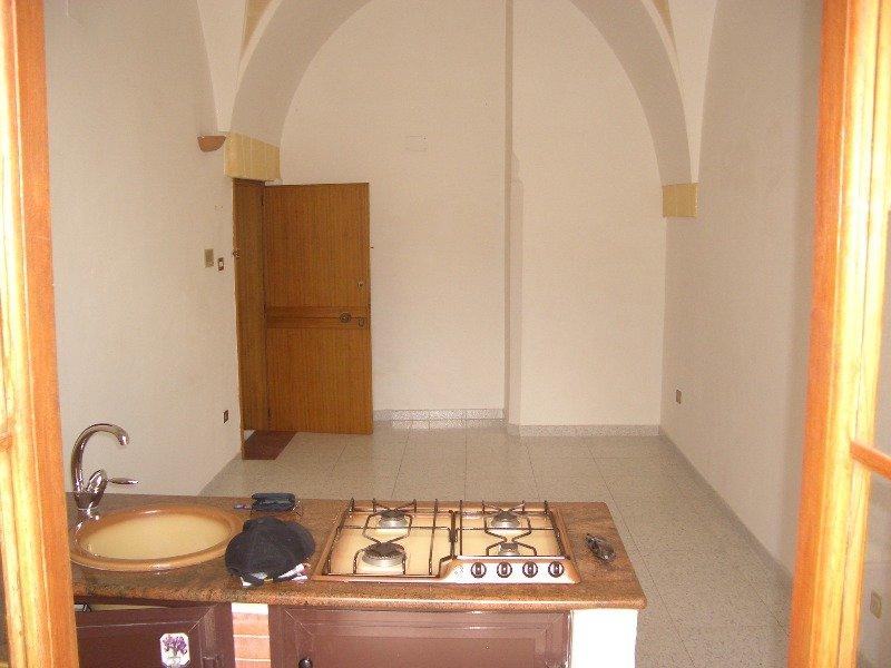 Appartamento grottaglie centro a taranto in affitto for Case in affitto a taranto arredate