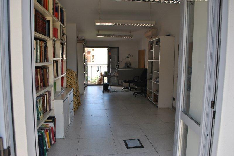 Casa Ufficio Uso Promiscuo : Ufficio open space anche per uso promiscuo a milano in affitto
