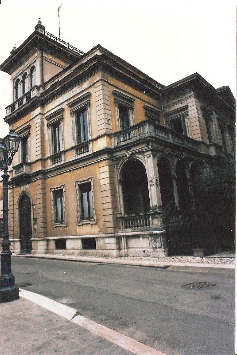 Foto 1 ufficio in villa di stile liberty a thiene a for Appartamenti arredati in affitto a vicenza