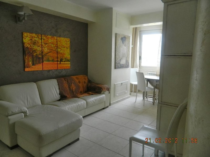 Foto 0 arredato dietro hotel astoria palace a palermo in for Affitto arredato palermo