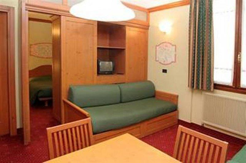 Appartamento per capodanno a ponte di legno a brescia in for Appartamenti arredati in affitto brescia