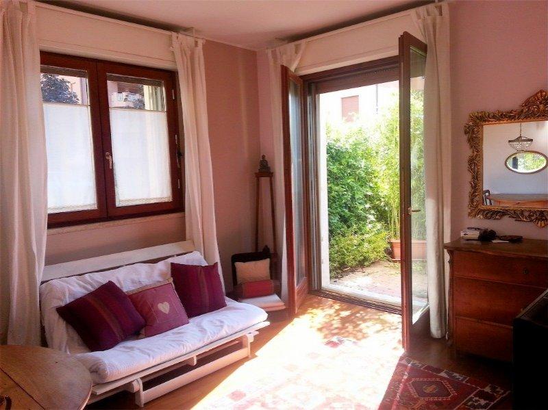 Appartamento Al Piano Terra Con Giardino A Segrate A Milano In Affitto