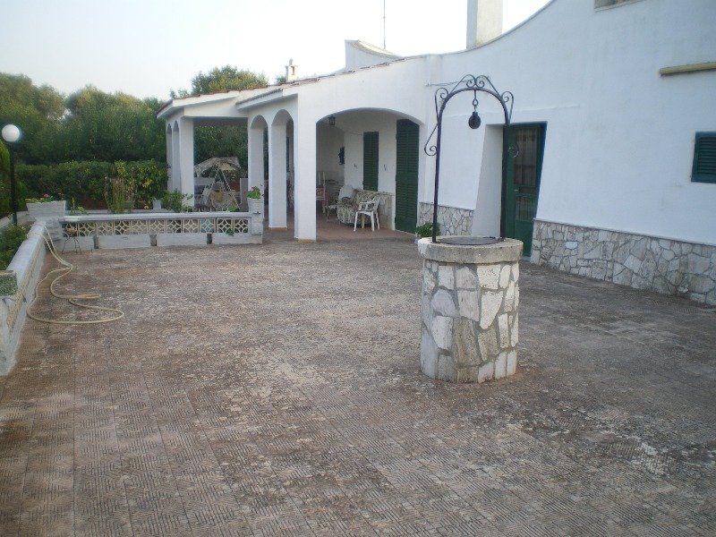 Villa in contrada cantrapa a brindisi in affitto for Case in affitto a brindisi arredate