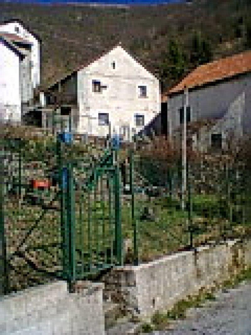Casa rustica in localit pentema a genova in vendita for Piani casa rustica