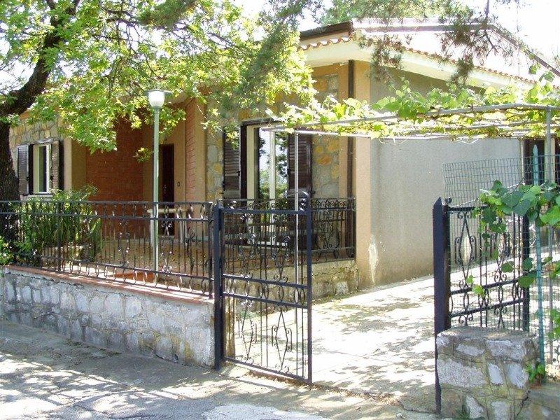 Per agosto a scario villa con giardino a salerno in affitto - Affitto casa con giardino ...