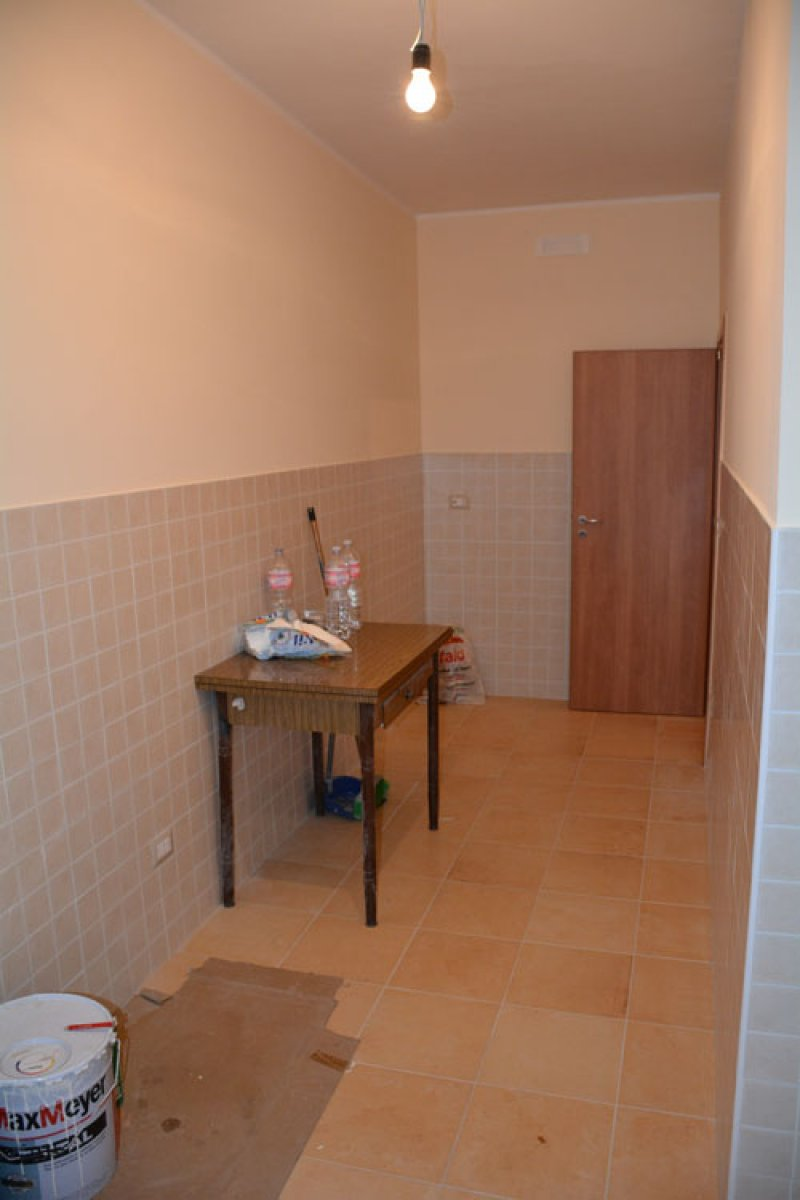 Foto 3 zona e metro colli albani appartamento a roma in for Affitto senza contratto