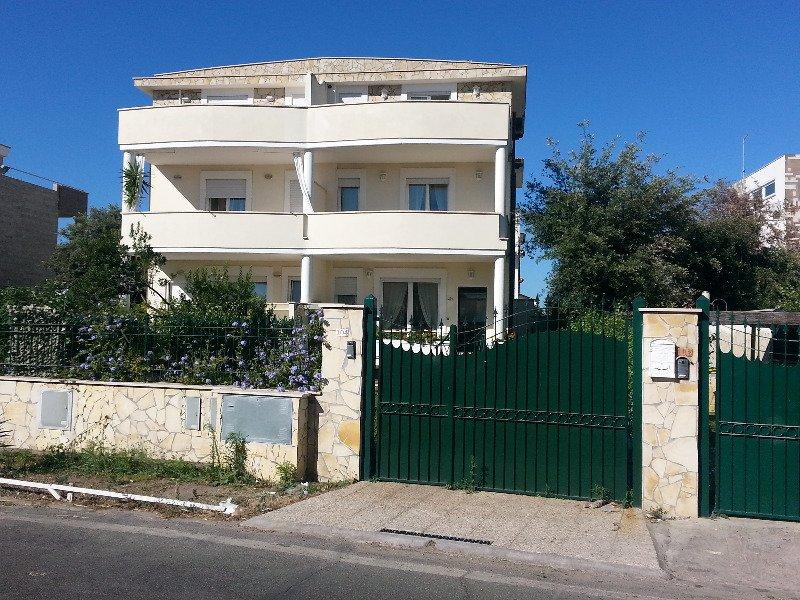 Nuovo villino a fregene a roma in affitto for Appartamenti ammobiliati in affitto roma