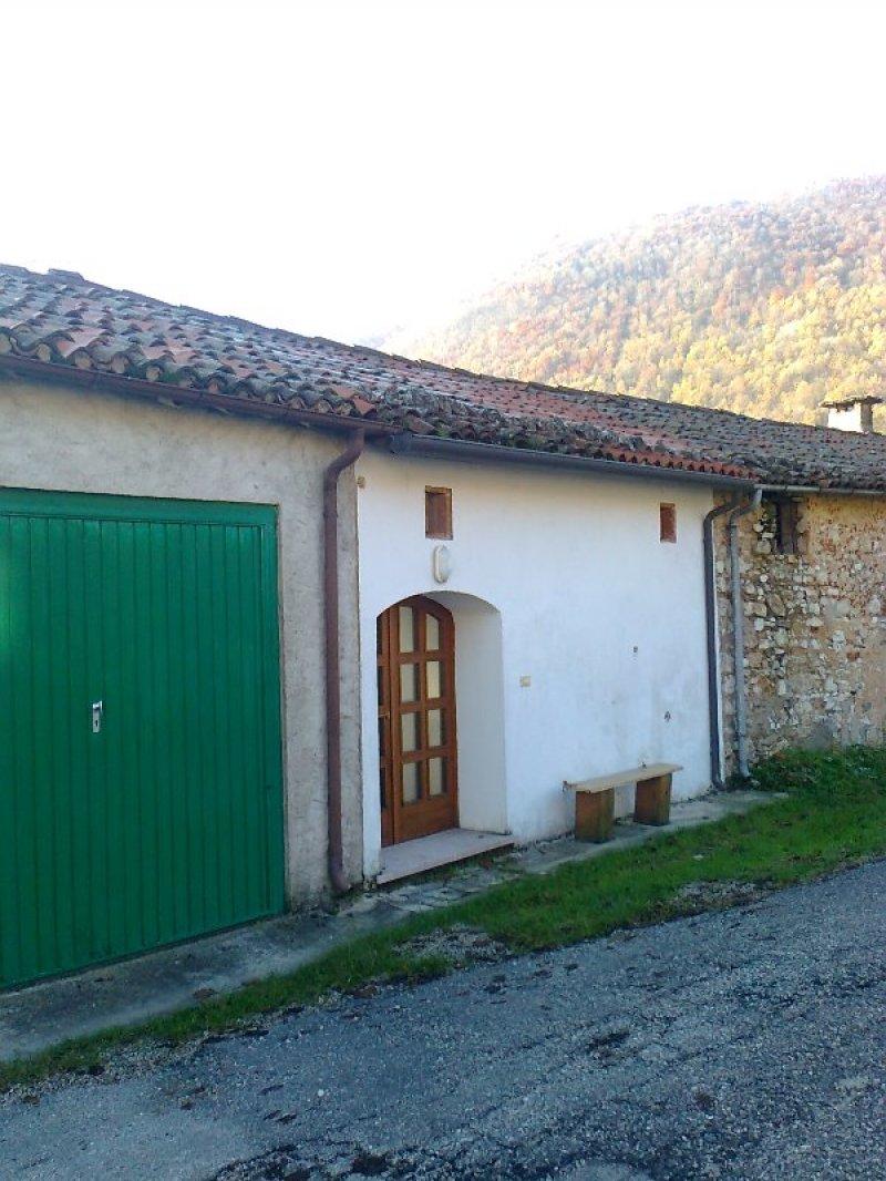 Schio porzione di casa a schiera su borgo rurale a vicenza for Appartamenti arredati in affitto a vicenza