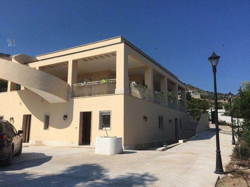 Monte Sant'Angelo villa a Foggia in Vendita