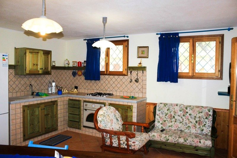 Tanaunella borgo di budoni quadrivano in taverna a olbia for Case in vendita a tanaunella