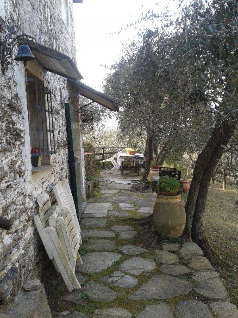 Prima collina lavagna rustico a genova in vendita for Case lavagna vendita