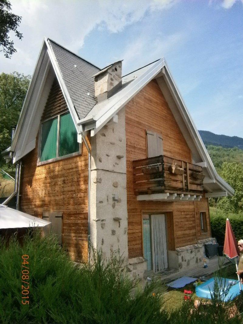Edolo chalet in pietra e legno a brescia in vendita for Case pietra e legno
