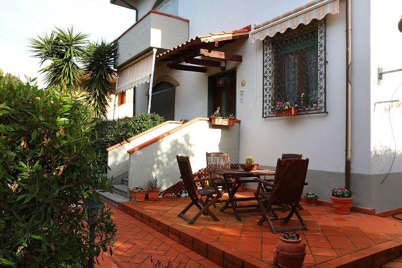 Collesalvetti villetta con giardino a livorno in vendita - Case vendita livorno con giardino ...