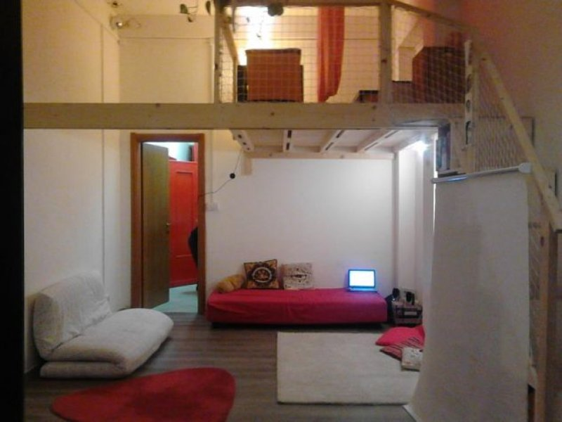 Roma pigneto stanza studio associato a roma in affitto for Affitto stanza studio roma