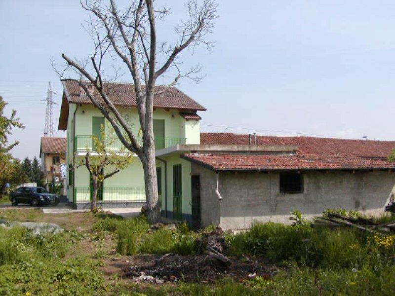 Vinovo casa ristrutturata a torino in affitto for Case arredate in affitto a torino