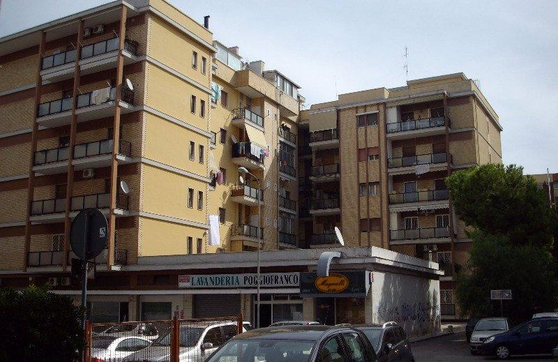 Bari poggiofranco posti letto in camera doppia a bari in for Stanze in affitto bari