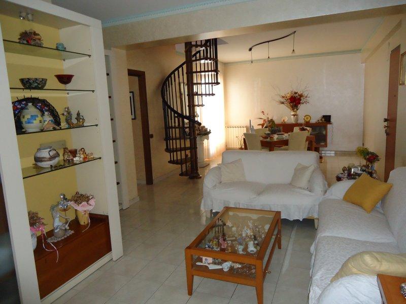 San Nicolò appartamento su due livelli a Catania in Vendita