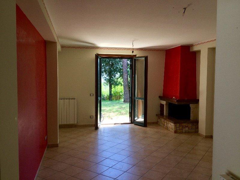 Civitella d 39 arna appartamento con giardino a perugia in - Affitto appartamento perugia giardino ...