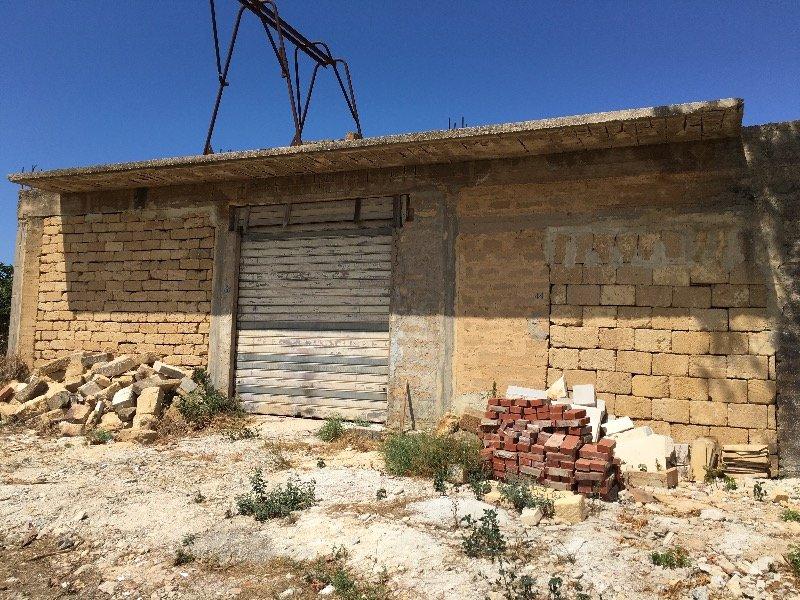 Mazara del vallo magazzino a trapani in affitto for Appartamenti arredati in affitto a trapani