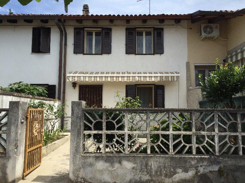 Vermegliano casa su 2 livelli a gorizia in vendita for Appartamenti a 2 livelli
