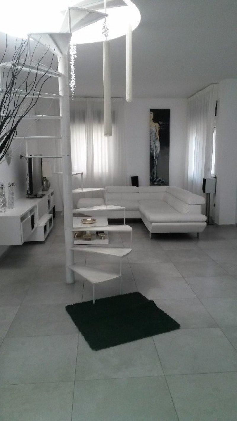 Ercolano appartamento con terrazzo a Napoli in Vendita