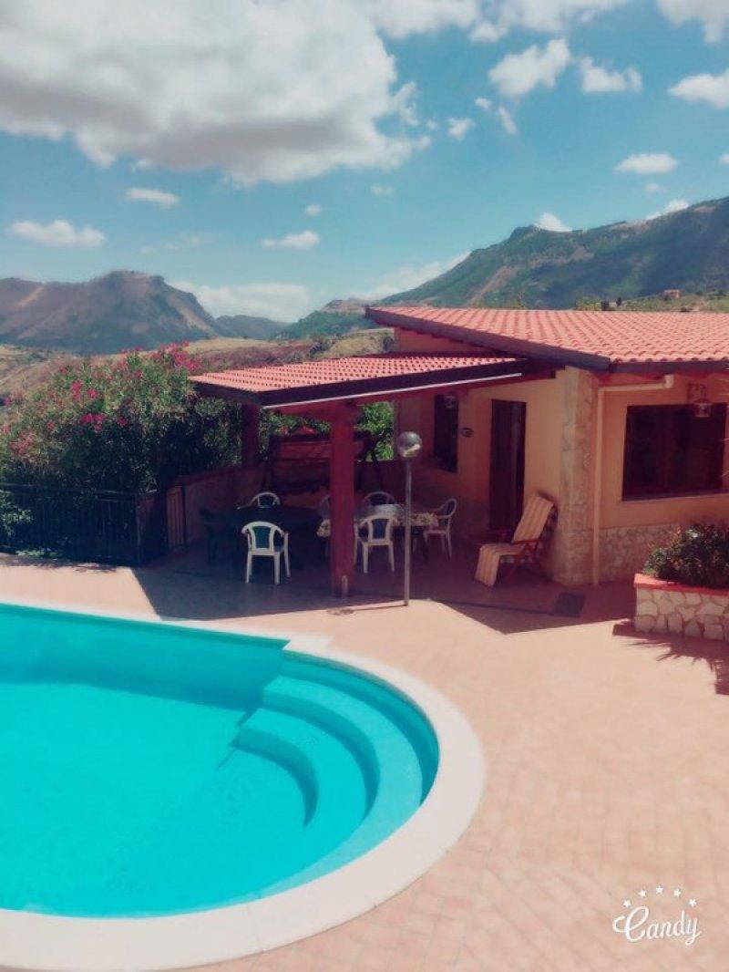 Monreale depandance con piscina per feste private a for Appartamenti in affitto a palermo arredati