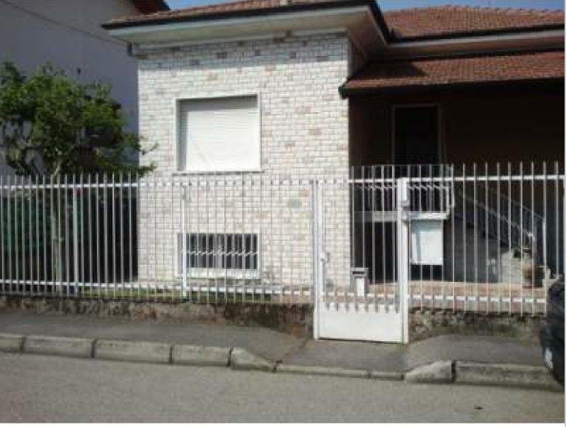 Legnano villa singola a Milano in Vendita