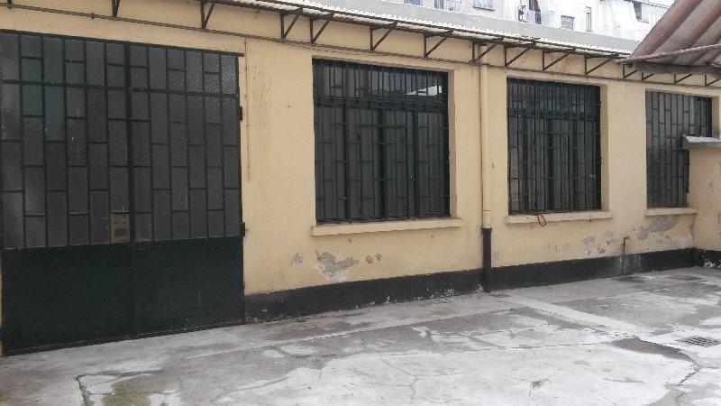 Foto 2 torino basso fabbricato interno cortile a torino for Appartamenti arredati in affitto torino