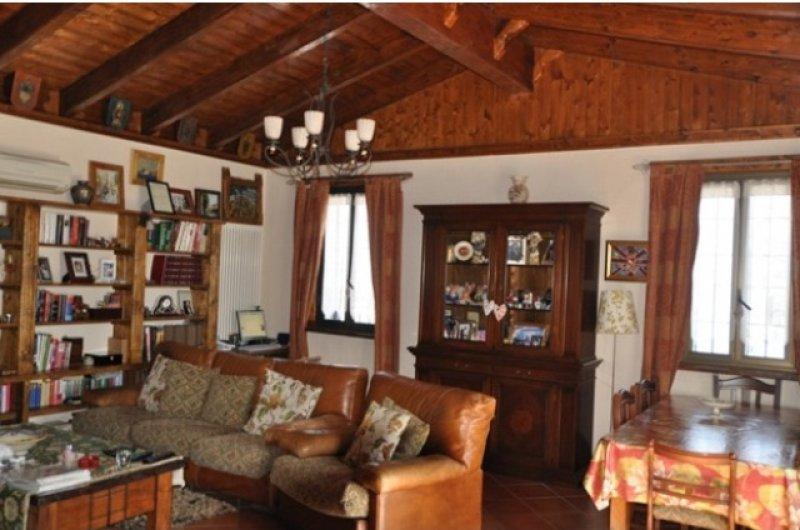 Bardi casa in sasso a Parma in Vendita