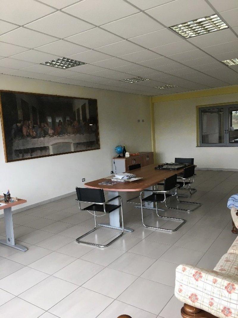 Agliano Terme struttura commerciale artigianale a Asti in Vendita