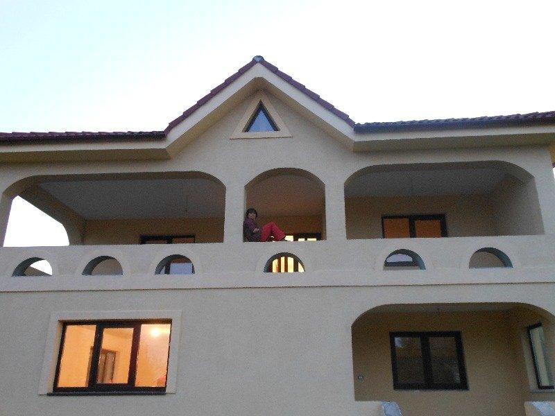 Slobozia Ciorasti villa con ampio giardino a Romania in Vendita
