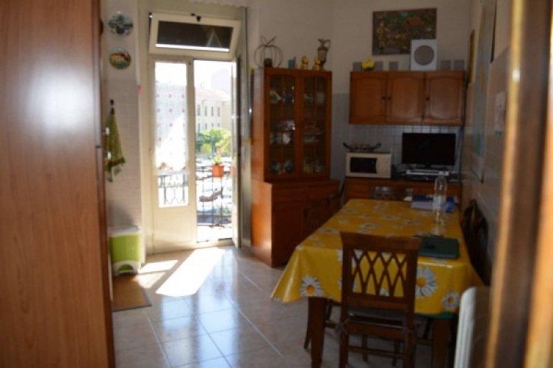 Torino appartamento in via nizza a torino in vendita for Appartamenti arredati torino