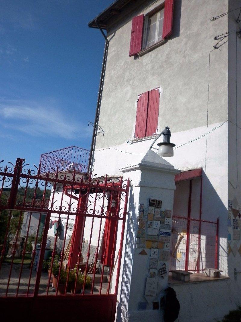 Rivalta bormida casa a alessandria in vendita for Piani casa ranch con cantina