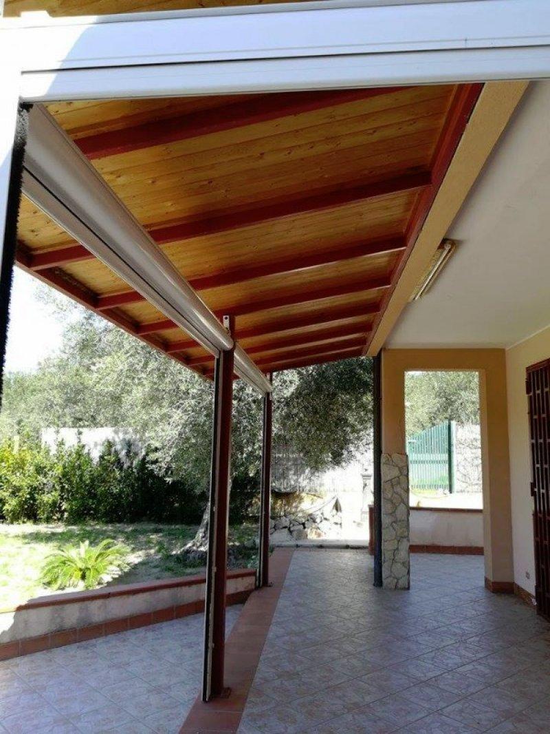 Ispica villa indipendente a ragusa in affitto for Case arredate in affitto a ragusa