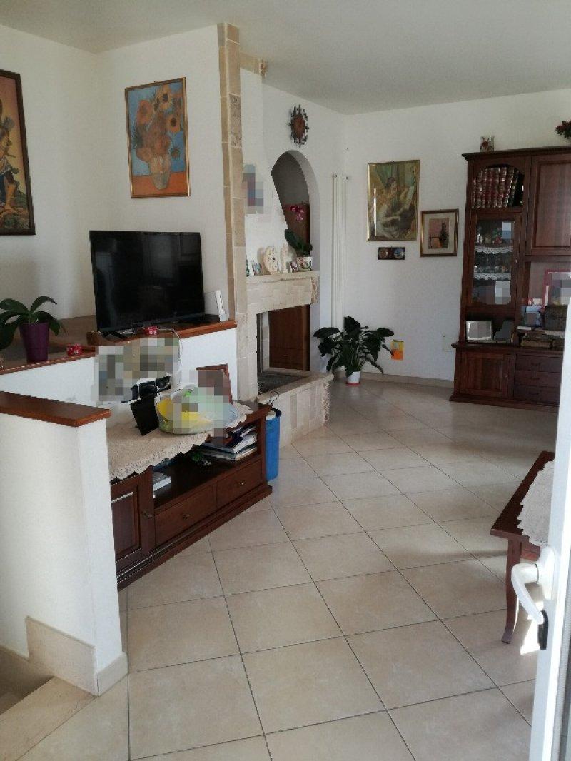 Otranto villetta a schiera su 2 livelli a lecce in vendita for Appartamenti a 2 livelli