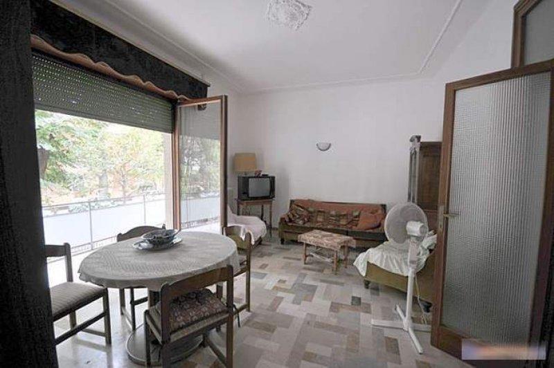 Pesaro appartamento arredato a pesaro e urbino in affitto for Appartamenti budoni affitto agosto