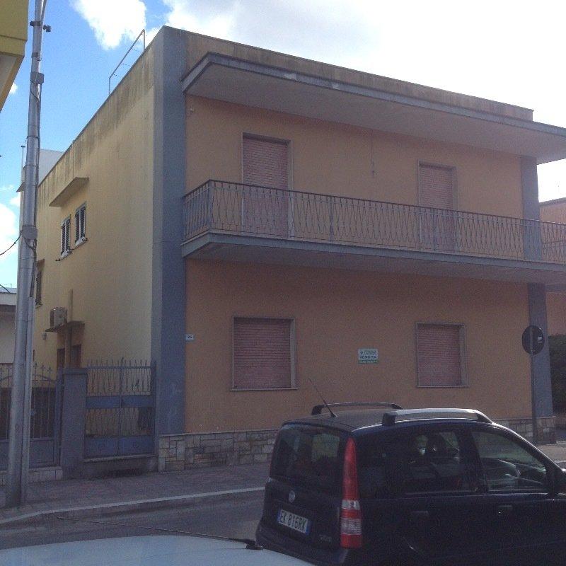 Aradeo appartamenti a lecce in vendita for Costruttori di appartamenti garage