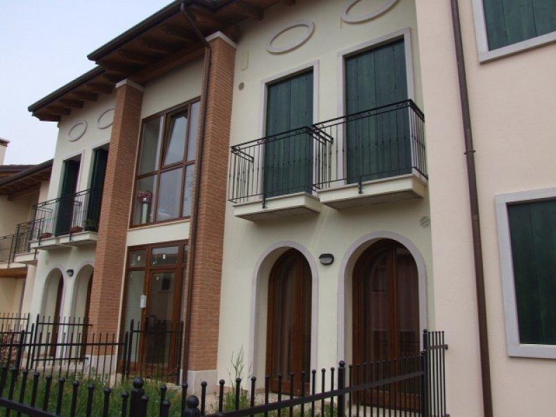 Roncà bilocale di recente costruzione a Verona in Vendita