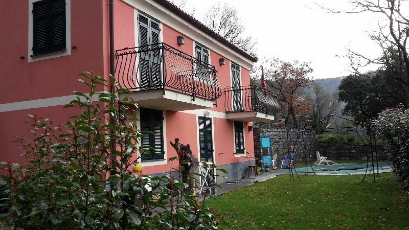 Lavagna villetta recente costruzione a genova in vendita for Case lavagna vendita