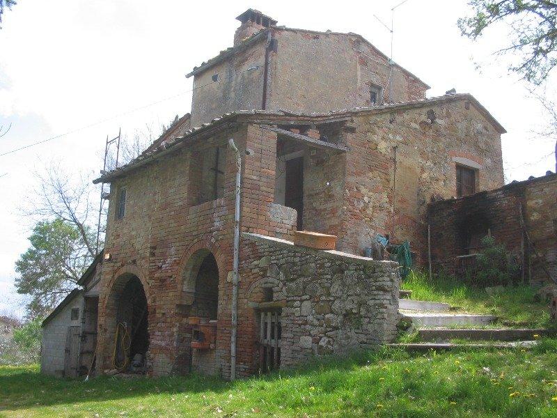 Montepulciano rustico in collina a Siena in Vendita