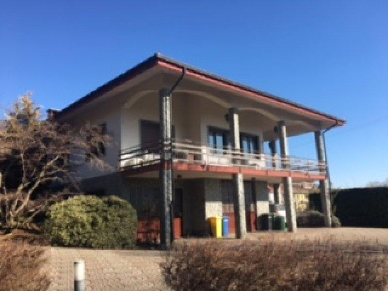 Forno Canavese villa immersa nel verde a Torino in Vendita