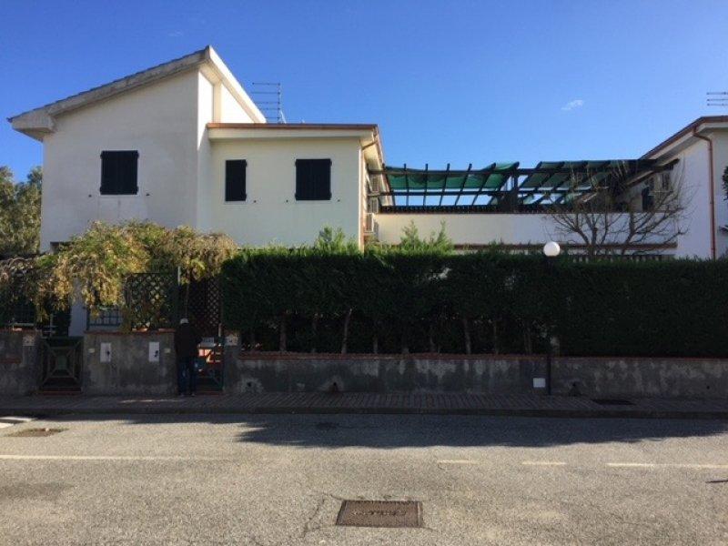 Rossano villetta a schiera per vacanze a Cosenza in Vendita