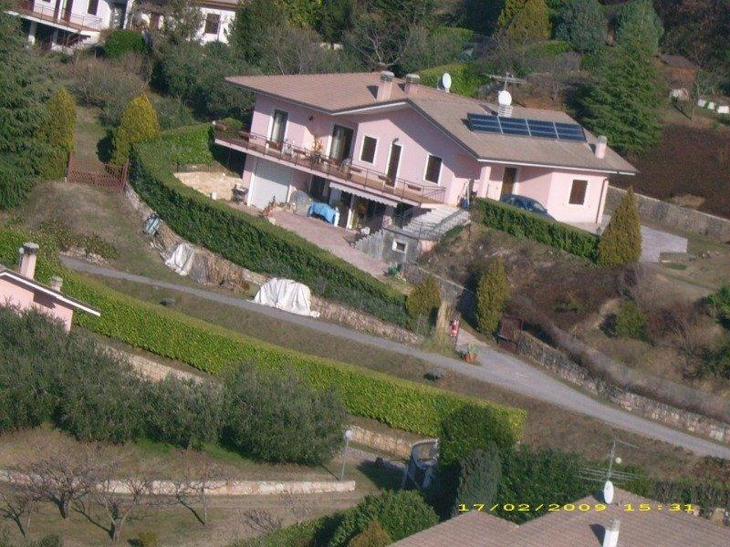 Caprino Veronese in zona collinare villa a Verona in Vendita